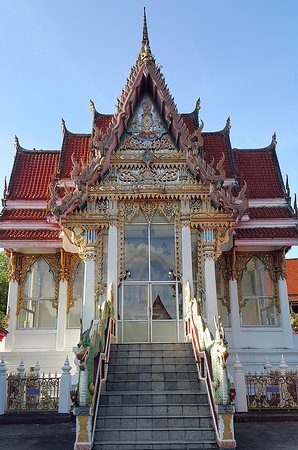 Wat Hat Yai Nai: Side alter