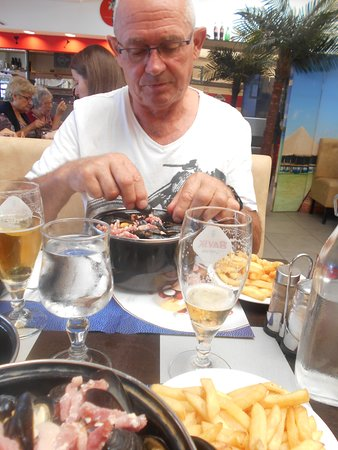 Brasserie Le Tropical: moules aux lardons!!!!!