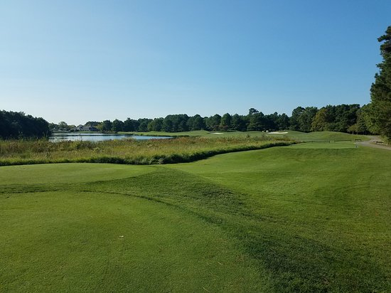 Eagle's Landing: View from the tee box on number 6