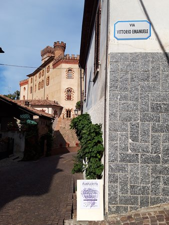 Directions with Castle of Barolo