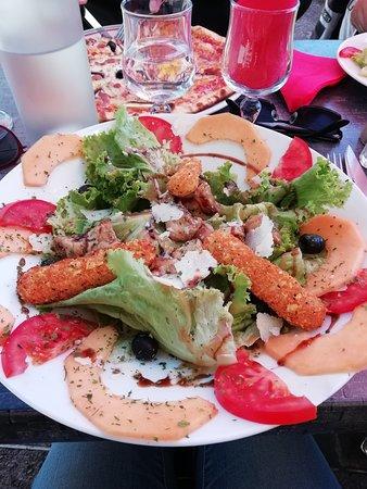 Laroque, Frankreich: Salade laroquoise