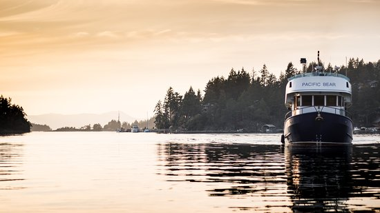 Lund, Canadá: The Pacific Bear cruising the Gulf Islands
