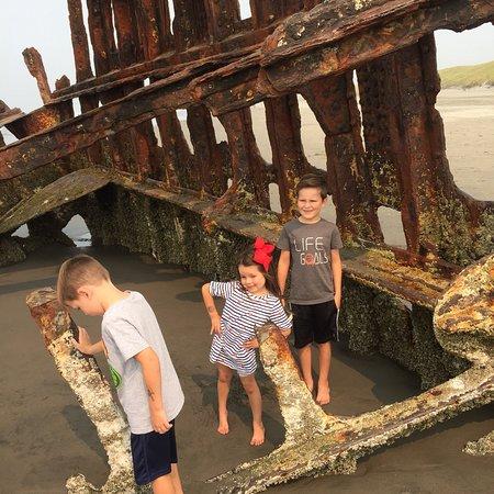 Peter Iredale Ship Wreck: photo2.jpg