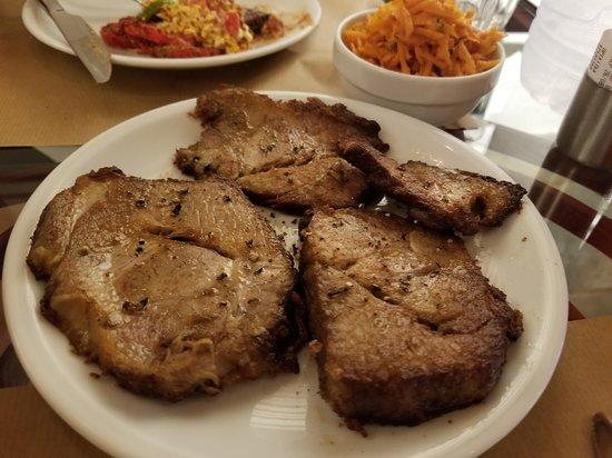 Βόλτες: Grandma's Glina (very tender pork)