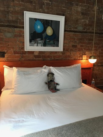 Drake Hotel Toronto Cool Crisp Sheets And A Very Comfortable Firm Mattress