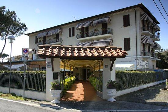 拉皮妮塔馬雷酒店