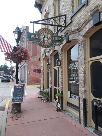 Shullsburg, WI: Outside the old bank