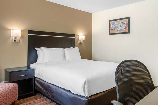 Springfield, Oregon: Well-equipped guest room