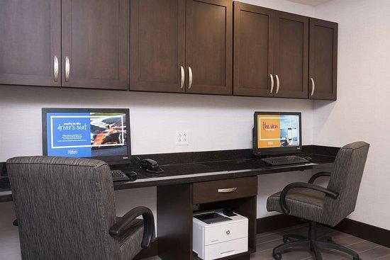 Westfield, IN: Business Center