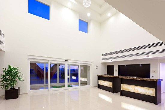 LQ Hotel by La Quinta San Luis Potosi: Lobby view