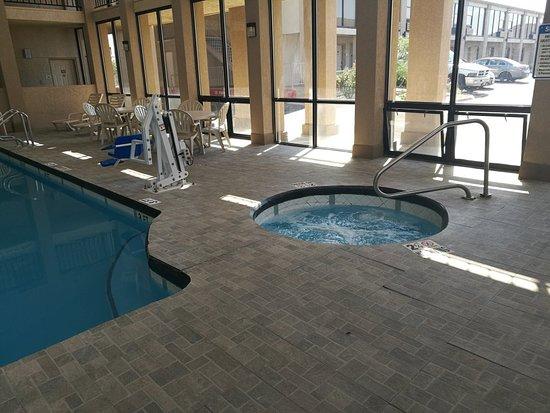 Quality Inn West Medical Center: IMG_20180827_163450_large.jpg