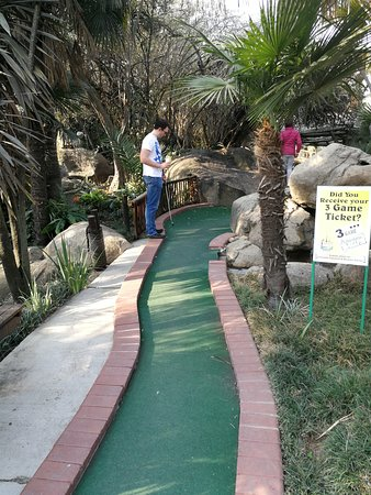 Sandton, Zuid-Afrika: Very clean courses that are close on the expectation of the classic American mini golf.
