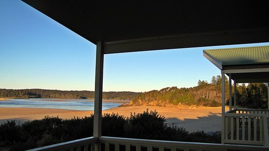Tuross Head, Australien: Beautiful cool morning looking out to the river.