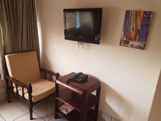 Kenya Comfort Hotel: 439635795_374643_large.jpg