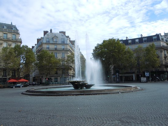 Fontaine de la Place Victor Hugo