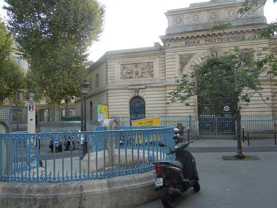 Fontaine Sainte-Genevieve
