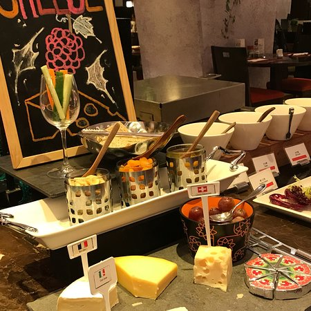 Cafe Marco (Marco Polo Hongkong Hotel): photo3.jpg