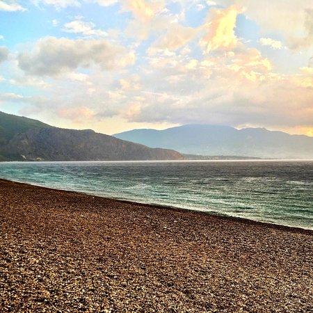 Psatha, Greece: Η παραλία στη Ψάθα