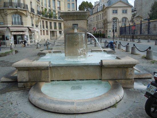 Fontaines de la Place Alphonse Laveran