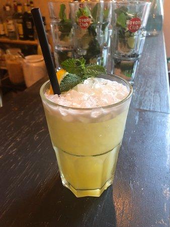 La Culotte :) >Vodka, Orgeat, Citron vert, Fruit de La Passion...