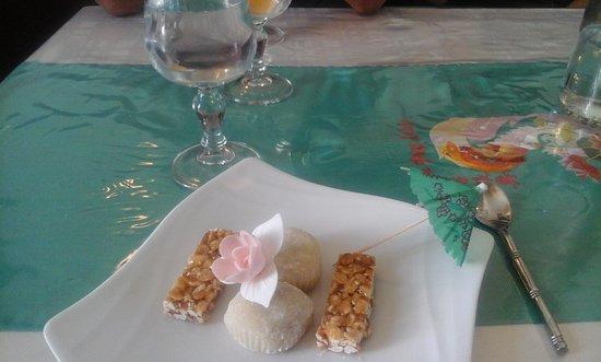 Noyant-d'Allier, ฝรั่งเศส: boulesà la purée d haricots rouge