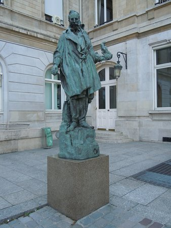 Statue de Jean-Baptiste Carpeaux