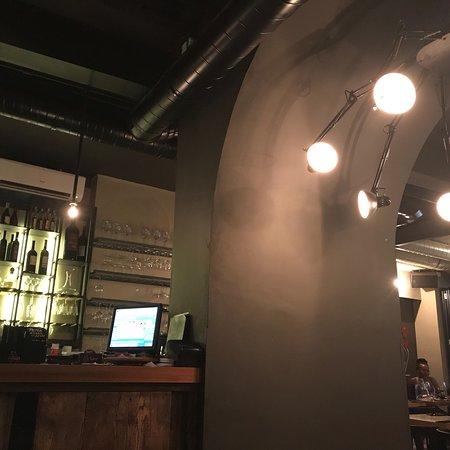 Zinfandel Food & Wine Bar: photo1.jpg