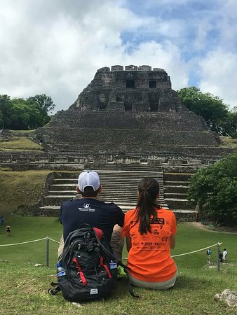 Ladyville, Belize: Awesome veiw of Xunantunich tallest temple