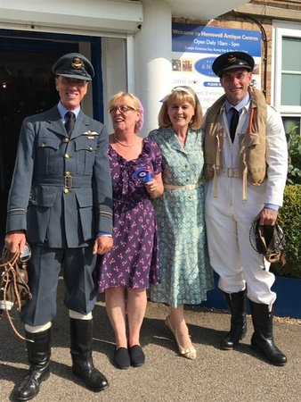 Hemswell Cliff, UK: Our ladies enjoying the men in uniform
