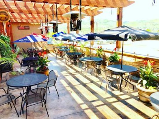 The Green Pub: Our Stunning Tropical Patio Is The Place To Be With 5 TVu0027s