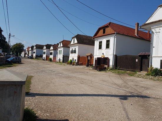 Transylvania Cycling: un pequeño pueblo habitado de gente hungara en Transilvania