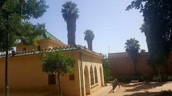 อุจดา, โมร็อกโก: école musique andalouse