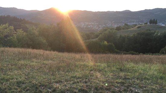 Sasso Marconi, Italy: Prati al tramonto