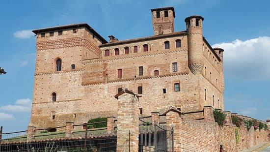 Grinzane Cavour Castle: 20180829_165318_large.jpg