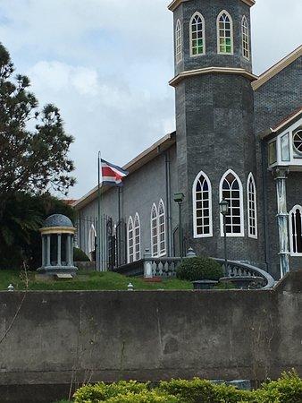 Zarcero, كوستاريكا: San Rafael Church