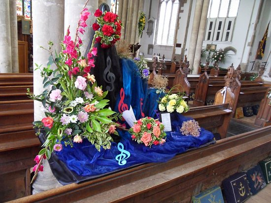 St Peter & St Paul Church: Flower Festival - 6