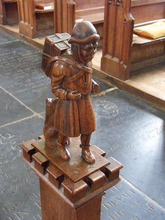 St Peter & St Paul Church: Statue of Pedlar of Swaffham