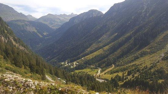 Partenen, Østerrike: Ich war hier schon mit dem Motorrad und jetzt zum wandern Wundschöne Aussicht tolle Wanderwege k