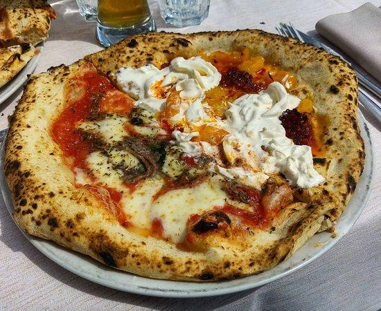 Levizzano Rangone, إيطاليا: metà Napoli, metà Calabresella 2.0