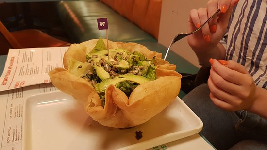 Wahaca Brighton: Sallad served in a eatable bowl