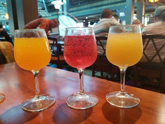Kona Cafe: Mimosa flight with orange, liliko'i and pineapple juice