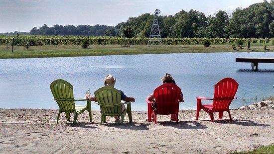 Bryan, OH: Relax around the pond