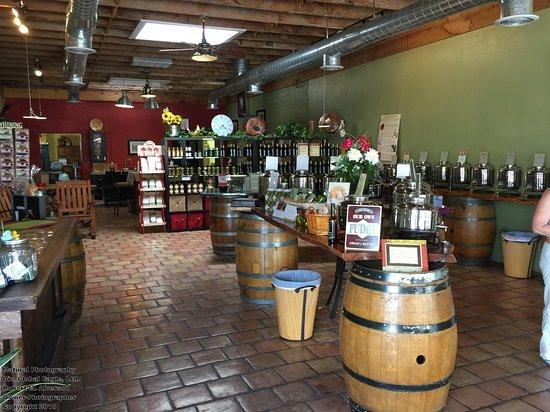 Verde Valley Olive Oil Traders: Great Olives...Center Cabinet! Fudge on Left!!