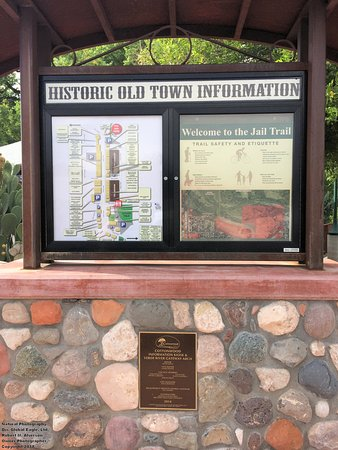 Historic Old Town Cottonwood: Signage