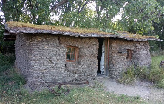 Gothenburg, NE: Left Front View of the Sod House