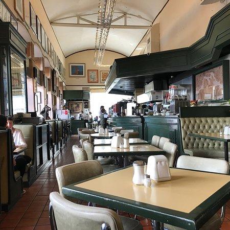 Acropolis Cafe Restaurante: photo0.jpg