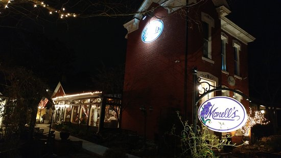 Monell's Dining & Catering: Exterior