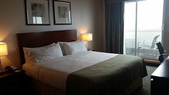 Holiday Inn L.I. City - Manhattan View : Guest room