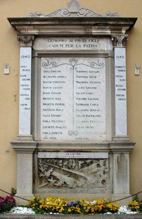 Gemonio, Włochy: Lapide sulla chiesa