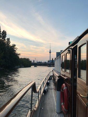 Schoeneschiffe. Berlin